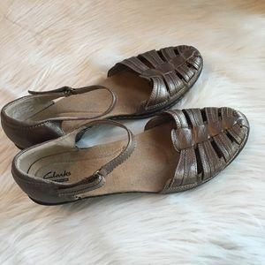 Clarks sandals adjustable strap 11